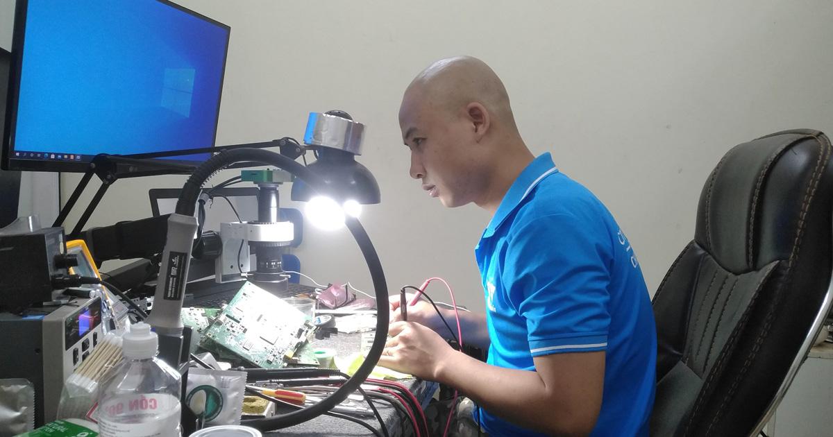 Sửa mainboard máy chiếu chuyên sâu
